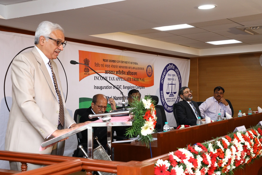 Hon'ble President Justice PP Bhatt addressing the gathering on the occasion.